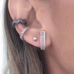 #fbmoloves Cool Ear Piercings, Body Piercings, Piercing Tattoo, Ear Jacket, All That Glitters, Cute Jewelry, Boho Chique, Diamond Earrings, Chic
