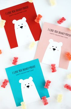 Valentine's Day is just around the corner and we've created these adorable Free Printable Classroom Valentines for you. They are cute and colorful! day party diy Free Printable Classroom Valentines - Alice and Lois My Funny Valentine, Kinder Valentines, Dinosaur Valentines, Valentines Bricolage, Happy Valentines Day Card, Bear Valentines, Valentines Day Party, Valentines Day Decorations, Valentine Day Crafts
