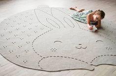 Bunny rug / Round carpet / Nursery Rug / Wool Felt by WoollyClouds