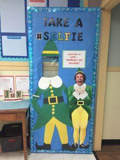 Diy Christmas Door Decorations, Christmas Door Decorating Contest, Christmas Classroom Door, School Door Decorations, Classroom Decor, Future Classroom, School Holidays, School Fun, Teacher Doors