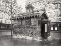 20 Vintage Photographs of Public Urinals in Paris in the Century Paris Vintage, Old Paris, Photography Series, Stunning Photography, Photography Magazine, White Photography, Rue Montorgueil, Outside Toilet, Isle Of Bute