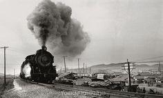 1967년 서울 북가좌역을 통과하는 경의선 열차. (연합뉴스DB)