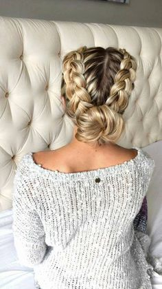 20 Easy holiday hairstyles for medium to long length hair – Hair Styles New Braided Hairstyles, Holiday Hairstyles, Cool Hairstyles, Braided Updo, Wedding Hairstyles, Hairstyle Ideas, Pixie Hairstyles, Plaits Hairstyles, Short Haircuts