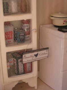 New Pics on The Cottage- miniatyrmama
