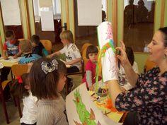 Reyes, reinas, príncipes, princesas, caballeros, dragones... estuvieron presentes en la Biblioteca Municipal el pasado 12 de abril.