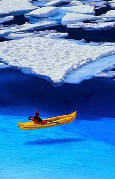Sea Kayaking in Glacier Bay National Park,Alaska