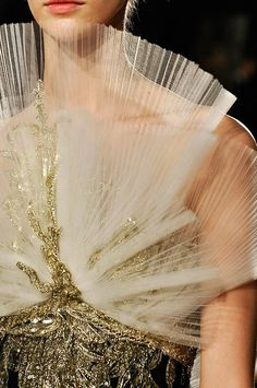 Marchesa Fall 2012 RTW - Details - Fashion Week - Runway, Fashion Shows and Collections - Vogue