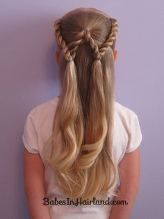 Just had to pin this. The letter W in braids or twists.