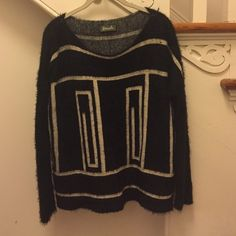 Pattern sweater Oversized slouchy sweater with geometric shape. Worn once or twice. Sweaters Crew & Scoop Necks