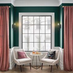 The Modern Victorian Style Modern Victorian Decor, Victorian Living Room, Victorian Furniture, Victorian Fashion, Modern Decor, Grey Pattern Wallpaper, Dinner Parties, Interior Design, Lighting