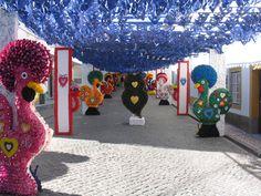 Entre galos e filigranas, em papel, na edição das ruas floridas de 2013, Redondo, Portugal