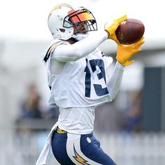 Keenan Allen. I love the look of this Visor. @ka13theslayer @chargers #boltup⚡️ #sandiegochargers #chargers #keenanallen #aliens