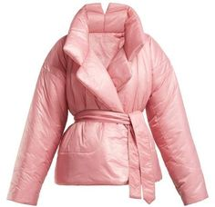 18 Super Ideas For Winter Camping Fashion Coats Camping Outfits For Women, Camping Style, Puffy Jacket, Norma Kamali, Mantel, Fashion Outfits, Fashion Clothes, Fashion Fashion, Winter Jackets