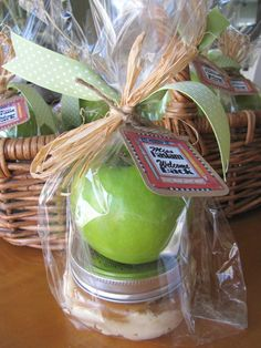 DIY  -  Back to school gift for teacher. Granny smith apple with Carmel dipping sauce.