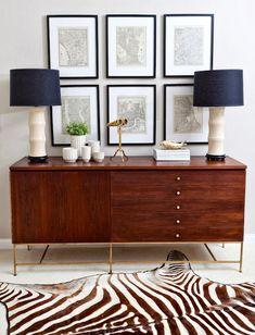 Living room - picture frames, modern lamps and sideboard table, zebra rug Design Entrée, House Design, Design Ideas, Room Inspiration, Interior Inspiration, Design Inspiration, Home Interior, Interior Design, Interior Decorating