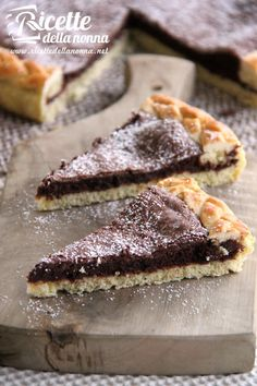 Crostata di tenerina Chestnut and chocolate cake: soft and fragrant, it is perfect for those who like to indulge in a treat while sipping a steaming cup of tea. # cake # chocolate [Easy chocolate and chestnuts cake recipe] Sweets Recipes, Real Food Recipes, Cake Recipes, Cheesecakes, Chestnut Cake Recipe, English Food, Pastry Cake, Sweet Cakes, Cake Cookies