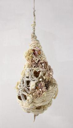 pupa / Sommer Roman Sheffield -try this in clay Sculpture Textile, Textile Fiber Art, Textile Artists, Soft Sculpture, Organic Art, Organic Shapes, 3d Studio, Roman Art, Fabric Manipulation