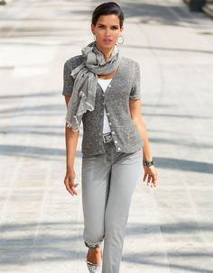 Short-sleeved cardigan in the color grey - in the MADELEINE online collection