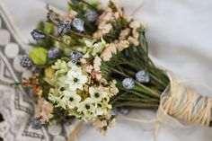 bride likes this bouquet