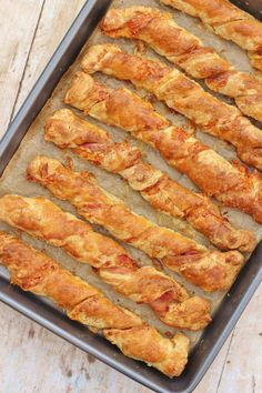 Bacon and Cheese Straws # savoury Baking Bacon and Cheese Straws Puff Pastry Recipes Savory, Savoury Baking, Recipe For Pastry, Tart Crust Recipe, Nibbles For Party, Nibbles Ideas, Cheese Twists, Cheese Straws, Cheese Snacks