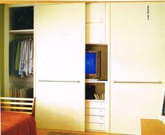 armário com TV