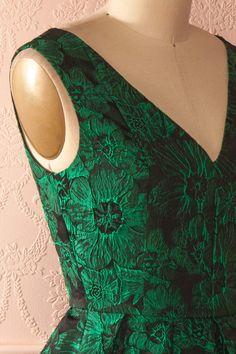 Doreena - Shimmering green floral jacquard dress