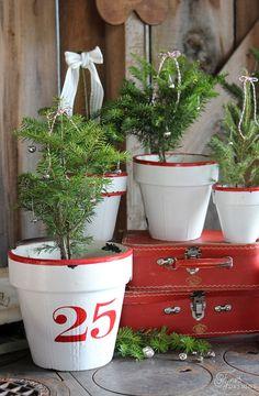 DIY Faux Enamel inspired Vintage Christmas tree pots