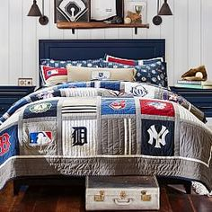 Awesome baseball theme bedding/decor (from: MLB™ Quilt + Sham Boy Sports Bedroom, Sports Bedding, Boys Bedroom Decor, Bedroom Themes, Bedroom Ideas, Sports Quilts, Bedding Decor, Teen Bedroom, Baby Boys