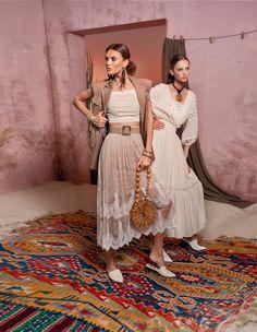 Вдохновением для новой летней коллекции от Alena Goretskaya стала Африка. Это яркая цветовая палитра, смешение стилей, анималистические и этнические принты, натуральные материалы, фурнитура и, конечно же, авторские аксессуары, которые дополнили и завершили образы, ярко отражающие стиль коллекции.   #alenagoretskaya #аленагорецкая #лето2020 #летнийобразженский #летнийобраз #тренды2020 #мода2020 #летнийобразнаработу #весна2020 #африка #образналето #платье #аксессуары2020 #аксессуары #платье…