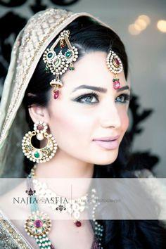 Beautiful Pakistani bridal jewellery