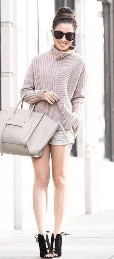 ootd+|+nude+sweater+++bag+++shorts+++boots