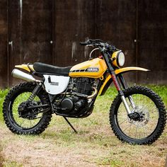 Mad Banana: Yamaha XT600 by @northeastcustom. #yamaha #xt600 #dualsport #scrambler #tracker