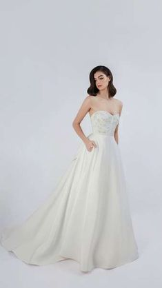 Jude Jowilson 2018 Bridal Dresses: Classic Designs With A Modern Twist Image: 20