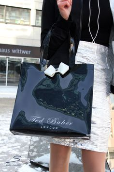 Ted Baker tote bag with cute little bow .. as seen in sisterMAG issue 1 #fashion #wardrobe