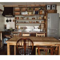 キッチンを改造♫〜貼り直しできる!のりなしタイプの壁紙を貼る方法♫
