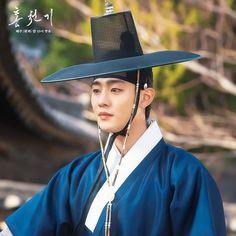 Korean Drama Movies, Korean Actors, Korean Dramas, Ahn Hyo Seop, Cinderella And Four Knights, Kim Yoo Jung, Hello My Love, Weightlifting Fairy Kim Bok Joo, Drama Korea