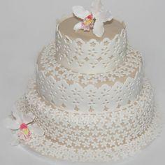 Broderie Anglais Cake by Elizabeth's Cake Emporium