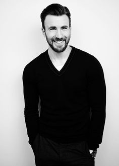 Chris Evans Poster M [Multiple Sizes]