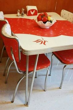 Retro Red Kitchen Table and Chair. Retro Red Kitchen Table and Chair. Art Deco Retro 50 S 60 S Red Laminex Dining Table and Red Kitchen Tables, Old Kitchen, Vintage Kitchen, Kitchen Stuff, Kitchen Ideas, Kitchen Design, 1950s Kitchen, Awesome Kitchen, Kitchen Things
