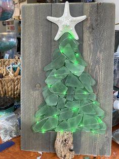 Sea Crafts, Sea Glass Crafts, Sea Glass Art, Seashell Crafts, Sea Glass Decor, Broken Glass Crafts, Sea Glass Beach, Mini Christmas Tree, Christmas In July