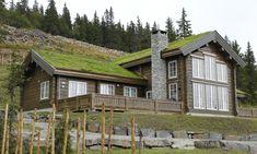 Et lite utvalg av våre 500 bygde hytter Winter Lodge, Scandinavian Home, Rustic Charm, House In The Woods, Log Homes, Home Fashion, Modern Rustic, Images, House Styles