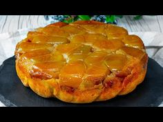 Daca iubesti merele, te vei indragosti de aceasta prajitura. Are un gust unic! Cookrate-Romania - YouTube Ale, Youtube, Apple Filling, Pies, Apples, Italia, Glamour, Chef Recipes, Diy