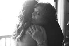 Mother and daughter before the wedding ceremony. #weddingphotography