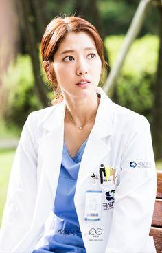 닥터스케치 8 훅 들어오는 김래원을 바라보는 박신혜의 놀란 이미지
