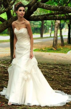 Augusta Jones ::   Sweetheart A-Line Wedding Dress  with Asymmetric Waist in Silk. Bridal Gown Style Number:32884629