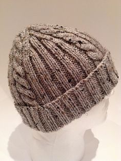 Ravelry: Ribs 'n Cables Beanie pattern by Anne G. – Knitting patterns, knitting designs, knitting for beginners. Knitting Stitches, Knitting Patterns Free, Free Knitting, Free Pattern, Hat Patterns, Bonnet Crochet, Knit Or Crochet, Crochet Hats, Knit Hat For Men