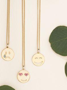 Die hübschen Emoji-Ketten vonSo Cosi kann man zu allem kombinieren und…