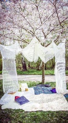 Ihr heiratet dieses Jahr und wünscht euch eine Hochzeit, die so schnell keiner vergisst? Hier kommen 6 umwerfende Ideen, mit denen ihr ordentlich Eindruck macht...