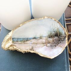 Oyster Shell Crafts, Oyster Shells, Clam Shells, Seashell Crafts, Ocean Crafts, Seashell Art, Seashell Painting, Beach Crafts, Ceramic Painting
