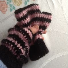 Pink and black wrist warmers mittens £5.50